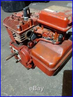 1988 5HP Briggs & Stratton Horizontal Shaft Engine model 130232 Vintage 8803127
