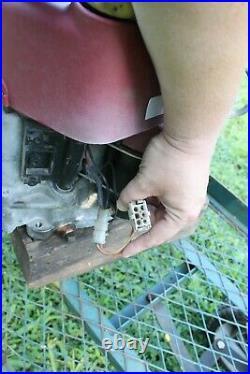 Briggs & Stratton 15.5 HP Intek Vertical Shaft Mower Engine Motor 31C707