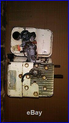 Briggs and Stratton 5 hp double twin shaft engine has spark and compression