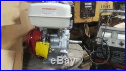 Honda GX240 ut29a2 Gas Engine new in box 1 in threaded shaft 65513 for pump etc