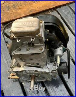 Nice Briggs&Stratton 31p677 Engine 19.5hp Vertical shaft 1in X3 1/8 John Deere
